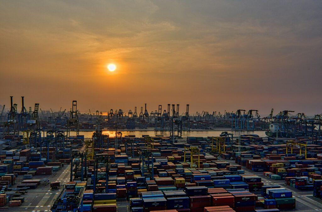 Matahari Terbit di Pelabuhan